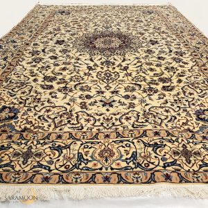 Hand-knotted Naeen Large Rug