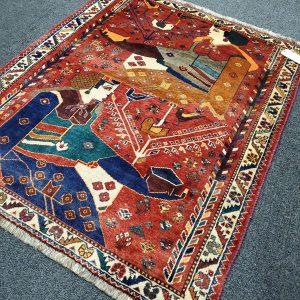 Hand-knotted Shiraz Unique Rug