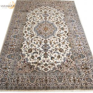 Hand-knotted Kashan Rug